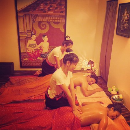 ERAWAN Thai Traditional Massage - Tokyo: 8 colors Buddha statues in Roppongi branch.