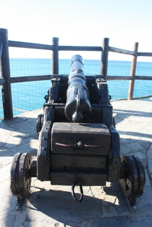 Trail 2: Even cannons guarding the trail.