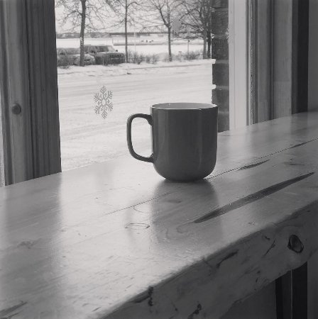Little Current, Canadá: Coffee with a view! From our front window you can see the iconic Swing Bridge.