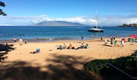 Kai Kanani Sailing Charters: Makena Beach that you walk down to & get into catamaran from water.