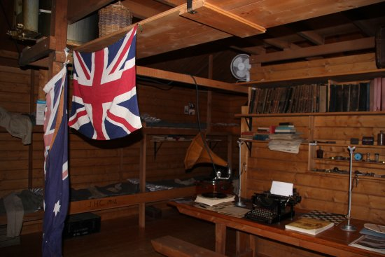 Mawson's Hut Replica Museum : Inside one of the rooms in the Mawson Hut
