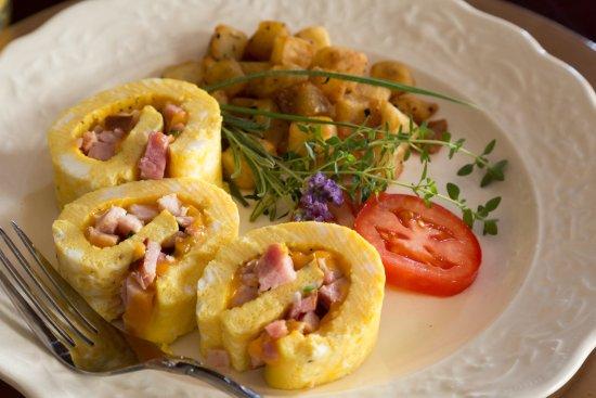Marion, KS: Egg Roll, Breakfast
