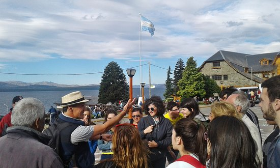 ‪Historias de Bariloche Walking Tours‬