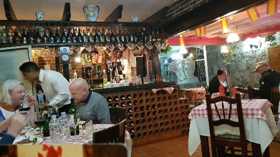 Garoe Grill : When in Spain it is mandatory to have at least one Tapas meal! We chose this spot! Meal was fine