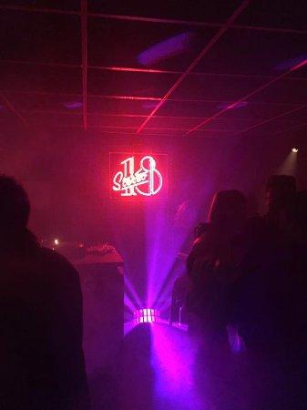 Stereo 18: Dance floor