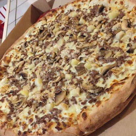 Nassimo Pizza Photo