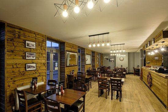 The captain 39 s table folkestone restaurant bewertungen for Table 52 chicago tripadvisor