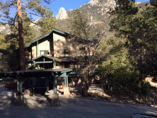 The Grand Idyllwild Lodge: Great Lodge in The Woods