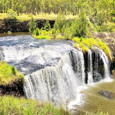 Ravenshoe, Australia: The beautiful millstream Falls , it's the widest single-drop waterfalls in Australia . Very easy