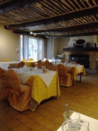Logis domaine de roquerousse hotel salon de provence voir les tarifs et 92 avis - Restaurant la salle a manger a salon de provence ...