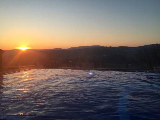 Grafenwiesen, Deutschland: Dachpool bei Sonnenuntergang