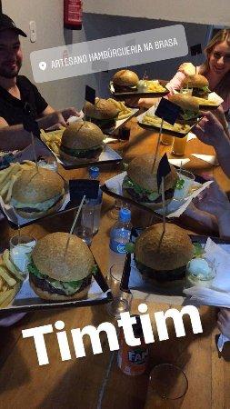 Maravilha, SC: Fome?    Artesano Hamburgueria!!!!