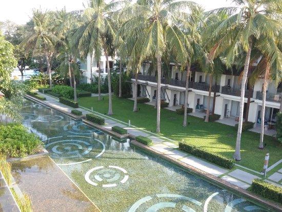 Veranda Resort Hua Hin - Cha Am Mgallery by Sofitel: Вот собственно и вся территория отеля + лобби, бассейн и ресторан