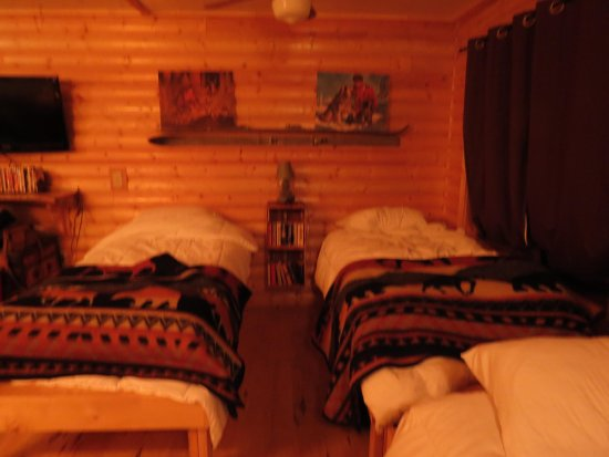 Trail Center Lodge : two of the twin beds