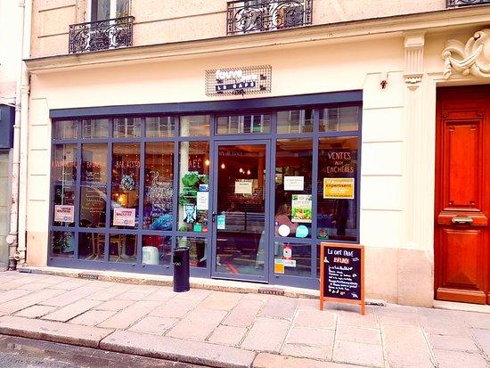 Cafe Fauve Paris  Rue Amelot