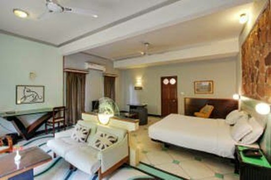 Hotel Inn Season: images (1)_large.jpg