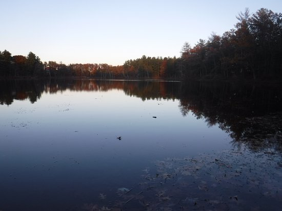 Mine Falls Park: Sunset on pond
