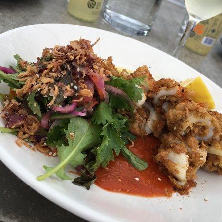 Snells Beach, Nueva Zelanda: Crispy Sesame Squid, Fennel Salad