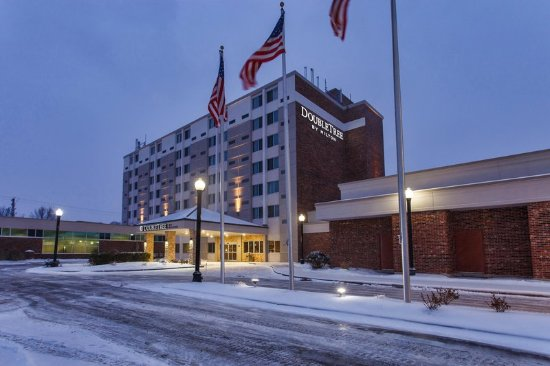 Neenah, Wisconsin: Exterior
