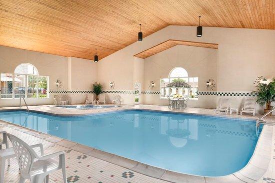 Sycamore, IL: Pool