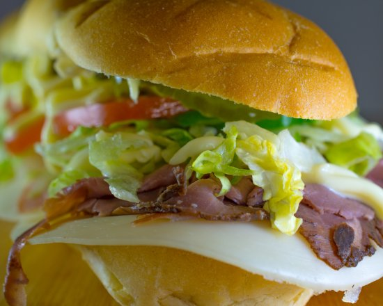 Waterloo, إلينوي: Fresh Bread and Premium Meats & Cheeses sliced to order!