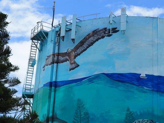 Buddina, Australia: Mural on Water tank