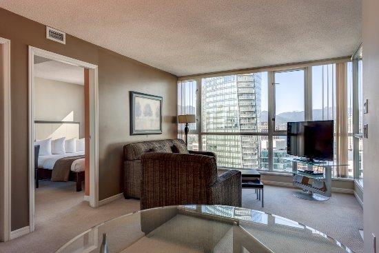 Carmana Plaza: Carmana Floor - One Bedroom Suite