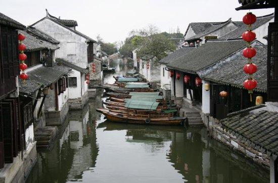 Medio día Zhouzhuang Water Town de...