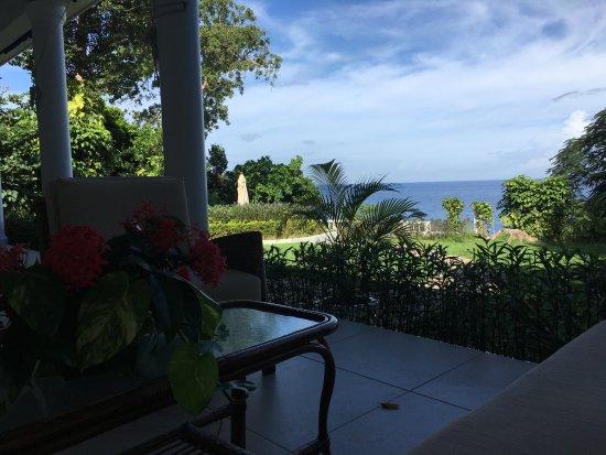 Prospect Plantation: Porch view