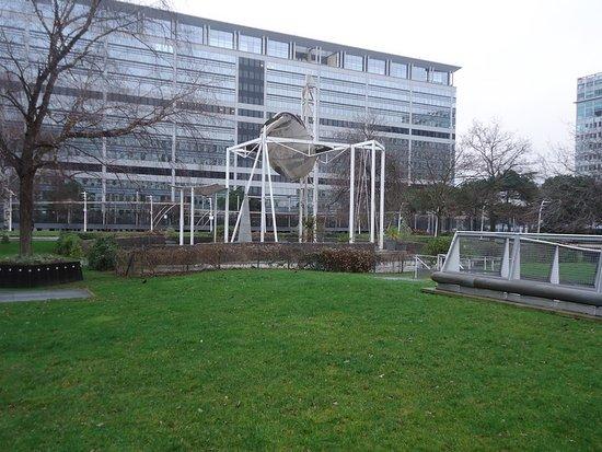 jardin atlantique paris pelouse et quipements mtos - Jardin Atlantique