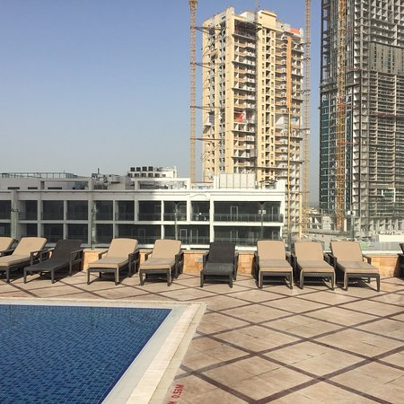 Fraser Suites Dubai: Fab hotel very pleased with stay. Rooms 2404 and 4305. As our friends came too