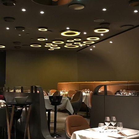 le ciel de paris montparnasse restaurant reviews phone number photos tripadvisor. Black Bedroom Furniture Sets. Home Design Ideas