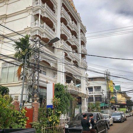 Dhavara Hotel: photo1.jpg