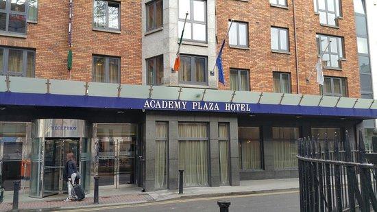 Academy Plaza Hotel : 20180130_100440_large.jpg