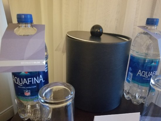 Lisle, IL: beware the in-room $4 water