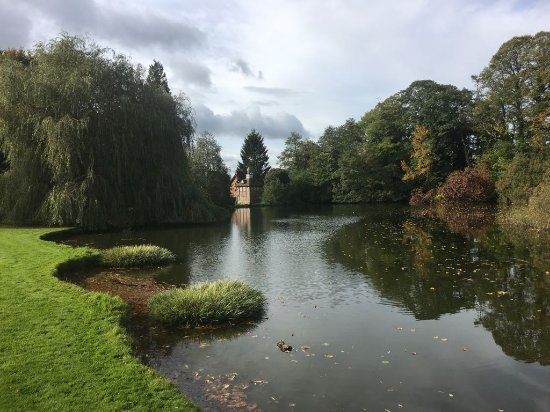 Brockencote Hall Hotel: The Lake