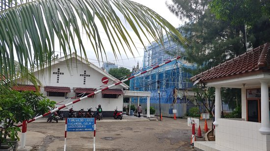 Immanuel Church: entrance