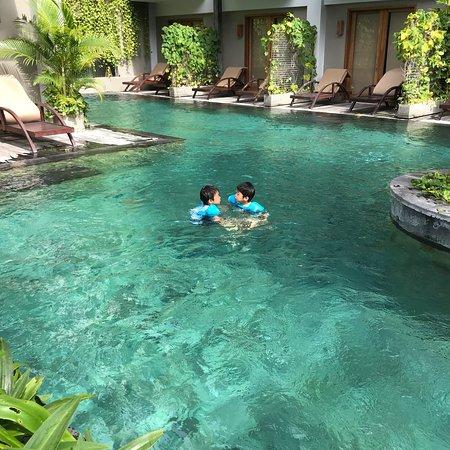 綠洲潟湖沙努爾酒店張圖片