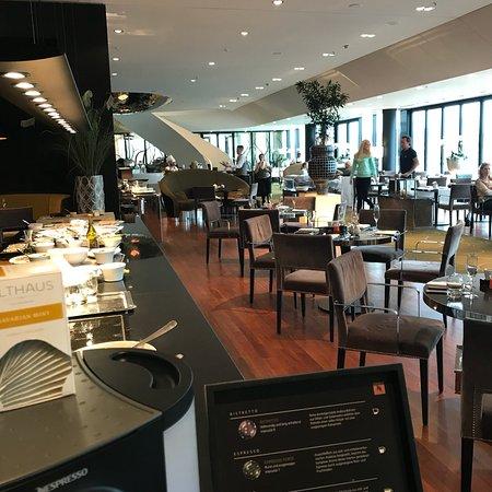 Hyatt Regency Dusseldorf: Breakfast
