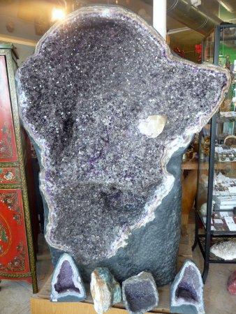 Geoda Amatista.Un a tonelada