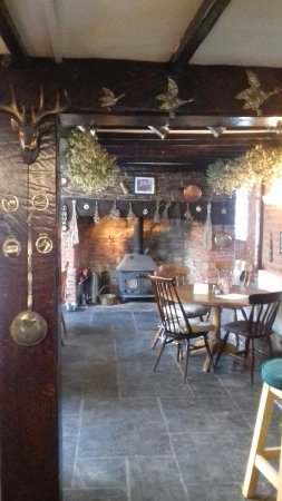 Cradley, UK: Charming traditional pub