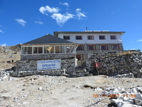 Gokyo, Nepal: Front view of the Hotel
