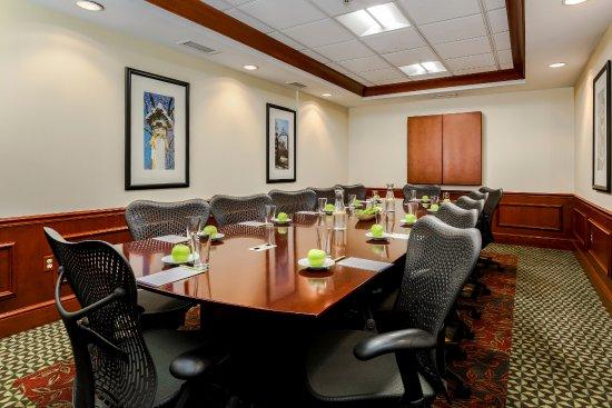 Guest Room Hilton Garden Inn Melville Plainview Resmi