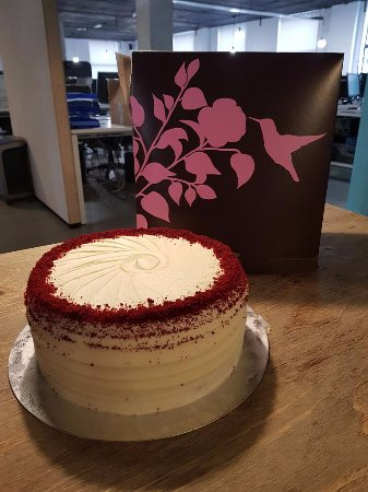 Fantastic Red Velvet Cake Picture Of The Hummingbird Bakery London Funny Birthday Cards Online Necthendildamsfinfo