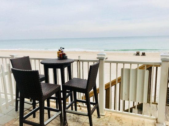Sandbar Grille : Views