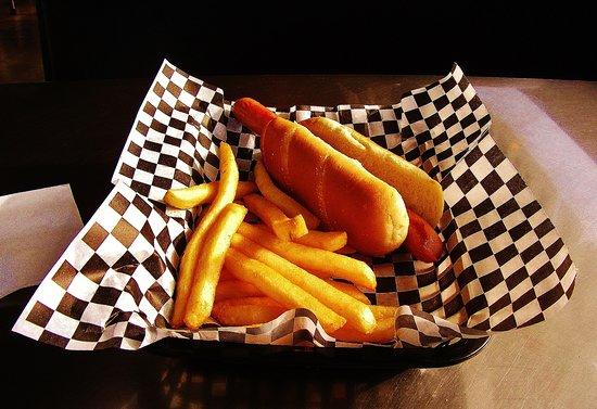 Igloo Restaurant: Hot Dog and Fries