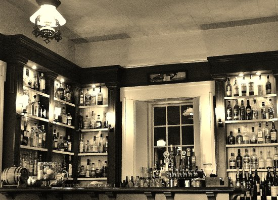 Eatery At The Grant House Ease Lounge Bar In Black And White