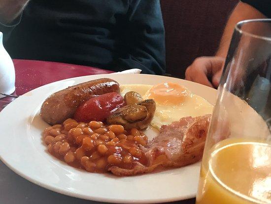 Rolleston-on-Dove, UK: Full English at Rolleston Club (Burnside Coffee Bar)