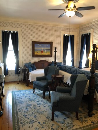 Willard Street Inn   Bed U0026 Breakfast Mansion: #5 Nantucket   King Four  Poster