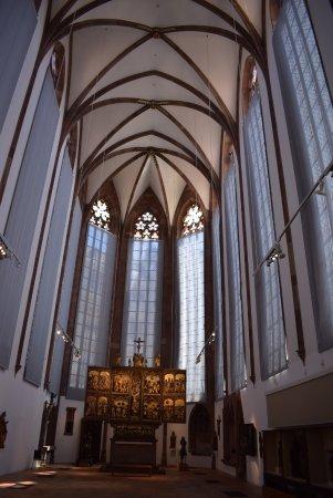 Musée historique de Bâle – Barfüsserkirche : Базельский исторический музей